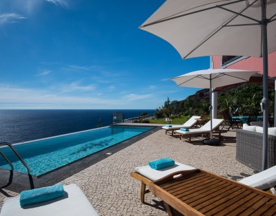 Luxury Oceanfront Villa in Calheta